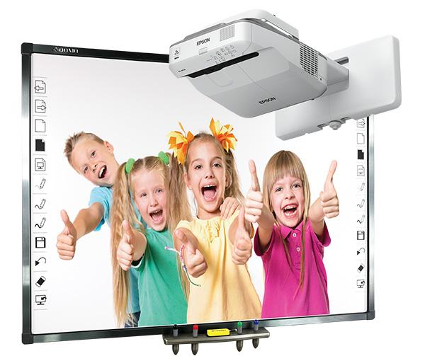 Tablica interaktywna Qomo QWB379BW z projektorem ultrakrótkoogniskowym Epson EB-670