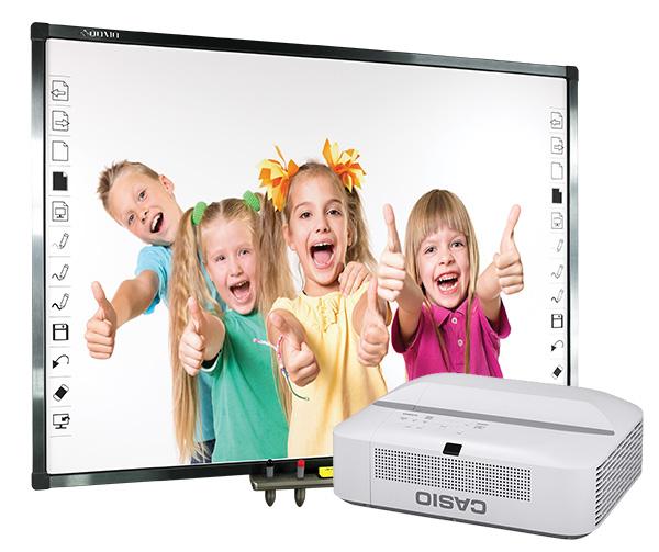 Tablica interaktywna Qomo QWB379PS z projektorem ultrakrótkoogniskowym Casio XJ-UT331X